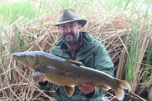 Lee Swords fishing Comizo barbel